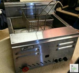 Lpg fryer wanted for catering trailer